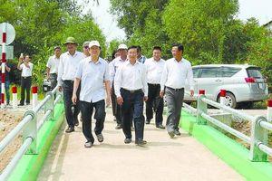 Niềm vui bên những cây cầu 'Bác Tư Sang'