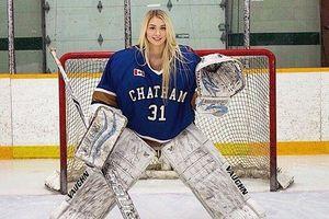 Vẻ quyến rũ 'khó cưỡng' của cô nàng vận động viên Hockey