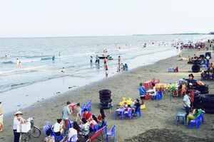 Thanh Hóa: Đi tắm biển, hai du khách gặp nạn