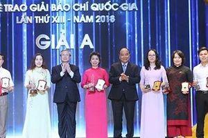 Trang trọng Lễ trao Giải Báo chí quốc gia năm 2018