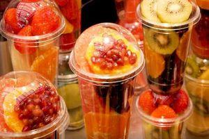 Sinh tố, nước ép hoa quả tươi hấp dẫn ở chợ ẩm thực Hàn Quốc