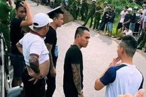 Nóng nhất tuần: Tình tiết mới vụ vây xe chở công an ở Đồng Nai