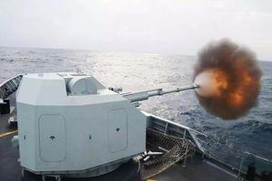 Cận cảnh hộ vệ hạm đông đảo nhất của Trung Quốc khai hỏa rực lửa