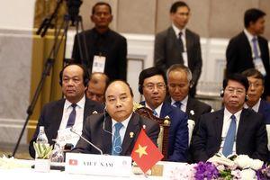 Thủ tướng Nguyễn Xuân Phúc phê phán phát biểu của Thủ tướng Singapore