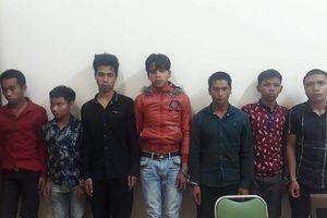 Cướp 8 con gà, 5 thanh niên bị khởi tố
