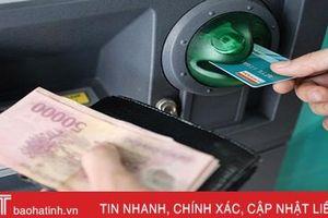 5.200 người Hà Tĩnh nhận lương hưu và trợ cấp BHXH qua thẻ ATM