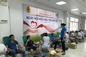 Ngày hội hiến máu trong CNVCLĐ huyện Gia Lâm năm 2019