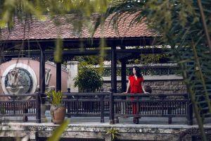 Hiếm hoi nhận làm mẫu ảnh, diva Thanh Lam diện váy đỏ đơn sắc sang trọng hút hồn