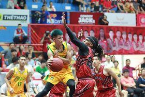 Rượt đuổi đến giây cuối, Thang Long Warriors vươn lên hạng 3