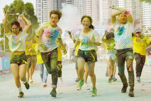 Đường chạy Color Me Run đầy màu sắc nhưng đây mới là điều nổi bật nhất