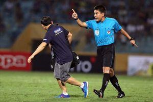 Trọng tài FIFA Việt Nam ngất xỉu ở buổi kiểm tra thể lực
