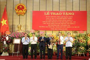 Thủ tướng dự lễ trao Huân chương Độc lập hạng Nhất cho đồng chí Nguyễn Quốc Triệu