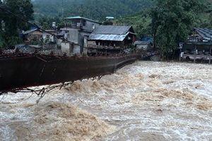 Mưa lớn, lũ quét gây thiệt hại ở Lào Cai và Lai Châu