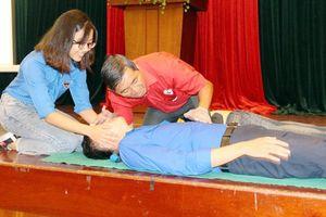 Trang bị kỹ năng sơ cấp cứu cho tình nguyện viên