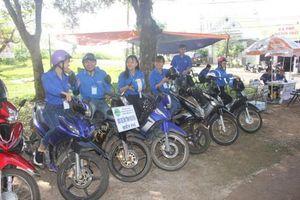 Thanh niên tình nguyện Tây Nguyên đồng hành cùng sĩ tử mùa thi