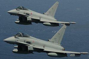 Hai chiến đấu cơ Đức đâm nhau kinh hoàng trên không