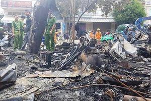 Cháy lớn thiêu rụi 12 ki-ốt, thiệt hại hàng trăm triệu đồng