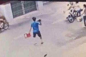 Clip: Thanh niên chân tập tễnh vẫn nhảy ra bắt cướp giữa đường và cái kết khó tưởng tượng phía sau