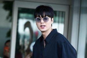 Thần thái sang chảnh, cách xử lý đẹp của Lee Min Ho sau khi lộ phần 'xôi thịt' tại sân bay