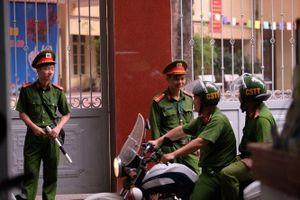 An ninh thắt chặt trong buổi sáng đầu tiên diễn ra kỳ thi THPT Quốc gia