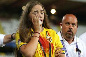 Fan nữ đổ máu trong cảnh hỗn loạn tại giải U21 châu Âu