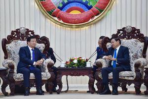 Phó Thủ tướng Trịnh Đình Dũng hội kiến Thủ tướng và Chủ tịch Quốc hội Lào