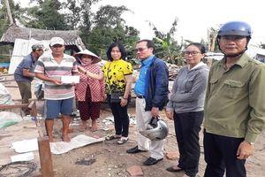 Hỗ trợ 56 hộ dân bị thiên tai ở miệt rừng U Minh hạ