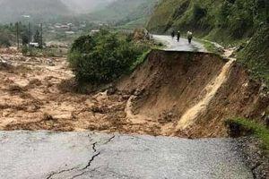 Bộ trưởng Bộ GD&ĐT gửi Công điện khẩn về ứng phó mưa lũ bất thường