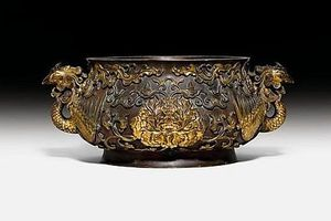 Lư hương Trung Hoa từ thế kỷ 18 được bán với giá 4,9 triệu USD