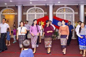 Giao lưu tăng cường tình đoàn kết đặc biệt Việt - Lào tại Hoa Kỳ