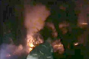 Phú Yên: Cháy rừng phi lao gần khu dân cư