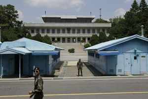 Ông Trump sắp thăm Bàn Môn Điếm, gặp ông Kim Jong-un?