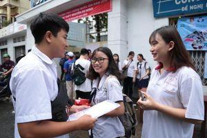 Hơn 4.000 thí sinh không dự thi môn toán và hơn 3.000 thí sinh không dự thi môn văn