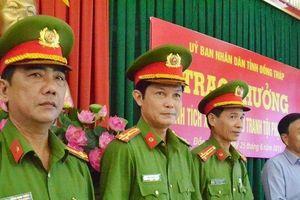 Chủ tịch UBND tỉnh Đồng Tháp thưởng nóng vụ bắt giữ hơn 7kg ma túy tổng hợp