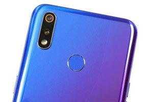 CLIP: Trên tay Realme 3 Pro giá 6,49 triệu tại Việt Nam