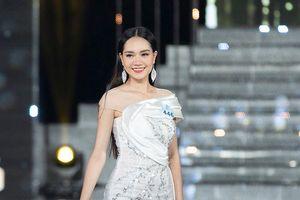 Đụng váy với đại mỹ nhân Phương Khánh- Hương Giang, dàn thí sinh Hoa hậu hot nhất lúc này không hề lép vế