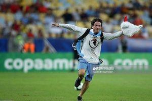 'Người gà' làm loạn trận đấu ở Copa America