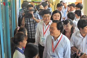 Bộ trưởng Bộ GD kiểm tra công tác thi THPT quốc gia 2019 tại Đắk Lắk