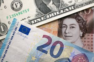 Cuộc chiến tiền bạc lặng thầm nhưng khốc liệt phía sau các ngân hàng