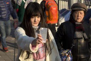 Trào lưu dàn dựng video 'quay lén' để nổi tiếng tại Trung Quốc