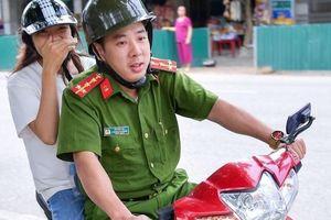 Công an đưa thí sinh Hà Giang đi thi: 'Tôi đến nhà, em còn đang ngủ'