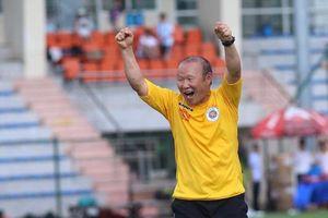 VFF đề xuất tăng lương 2,5 lần gia hạn 3 năm hợp đồng với HLV Park Hang-seo