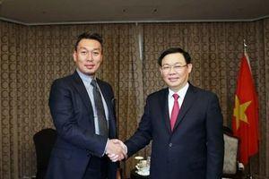 Phó Thủ tướng giải tỏa băn khoăn về thanh toán không dùng tiền mặt