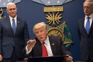 Trump đe dọa tấn công, thậm chí hủy diệt Iran