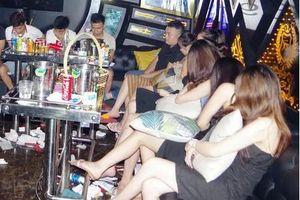Hà Nam: Phát hiện 28 đối tượng có biểu hiện phê ma túy đang 'bay lắc' trong karaoke