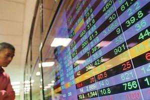 Chứng khoán: Nhà đầu tư nên đứng ngoài thị trường