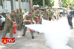Tập huấn nghiệp vụ PCCC cho lực lượng dân phòng, bảo vệ dân phố