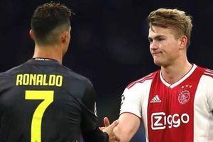 De Ligt: 'Ronaldo là người hùng của tôi'
