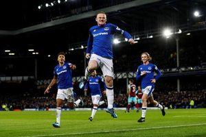 'Mãn nhãn' với siêu phẩm ghi bàn từ cự ly 60m của Rooney