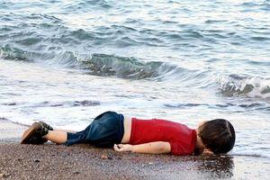 Đằng sau bức ảnh cha con di cư chết đuối úp mặt ở biên giới Mỹ - Mexico gây sốc